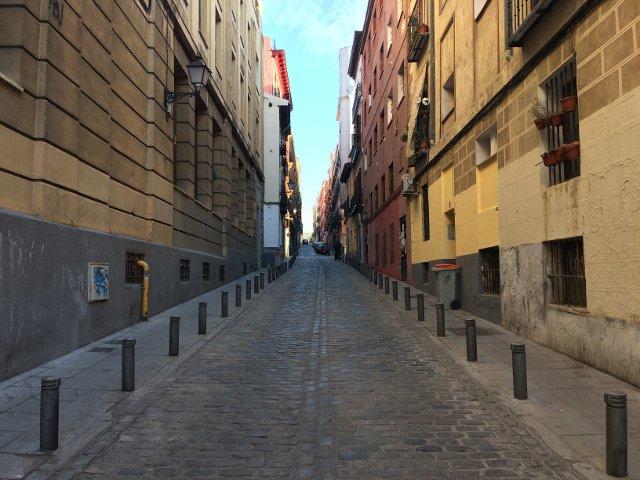 Calle cerca de Eric Vökel Madrid Suites San Bernardo
