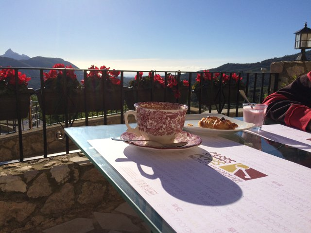 Desayuno en Cases Noves de Guadalest