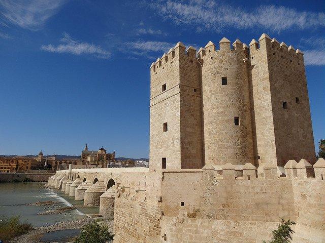 La torre de Calahorra, algo qué ver en Córdoba por su encanto