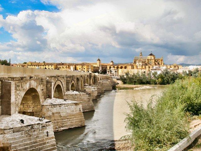 Es precioso visitar el Puente Romano de Córdoba