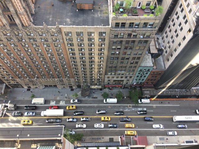 Mirando hacia abajo desde la terraza del Hotel Viceroy