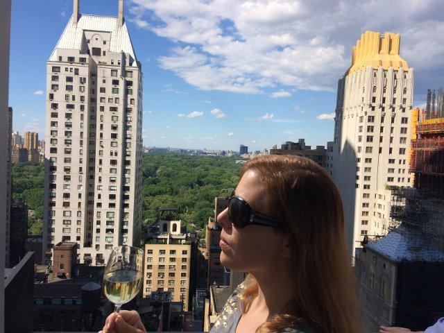 Tomando un vino con vistas de Central Park gracias a Voyage Privé