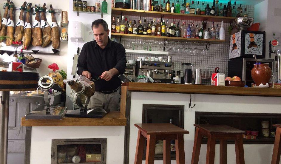 La Abacería de David en Fuengirola, las mejores albóndigas que hemos probado