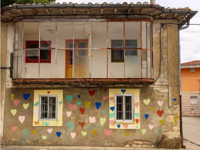 House with hearts in the town of Juarros