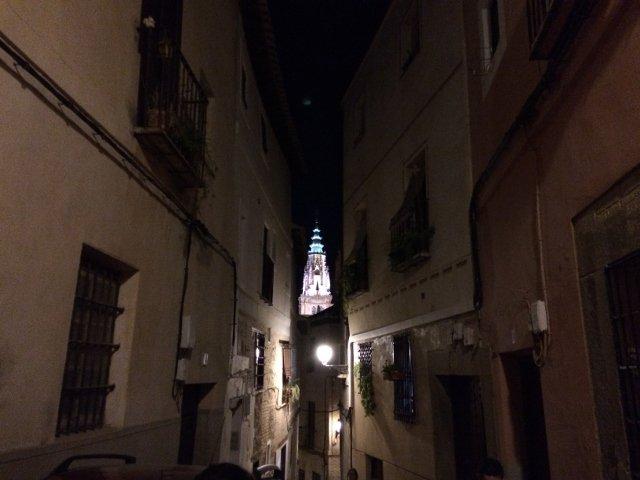 La Catedral de Toledo iluminada por la noche en la Ruta Magica