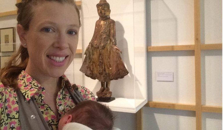 Abby y Paula visitando la Fundación Juan March en Madrid