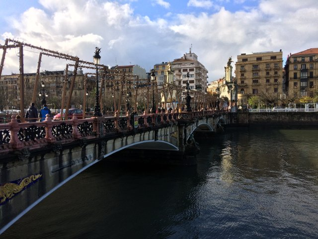 Puente de San Sebastián, unas de las cosas qué ver en la ciudad