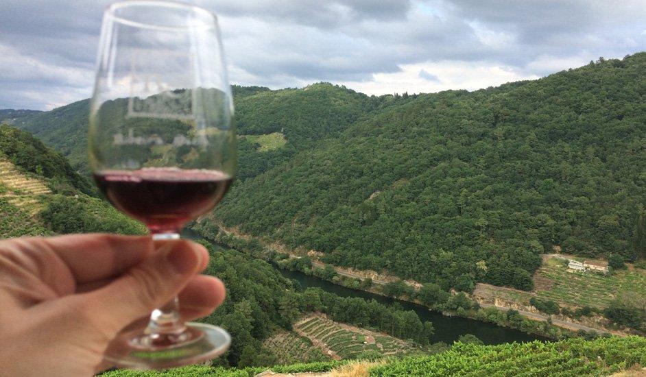 Ribeira Sacra: Un lujo para los sentidos a través de sus vinos y bodegas