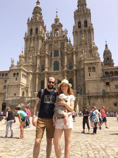 Pedro y Abby en la Catedral Santiago de Compostela