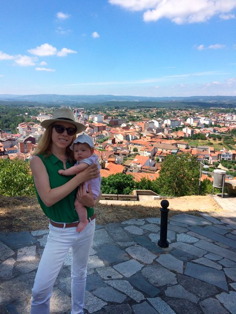 Abby en Monforte de Lemos, Galicia