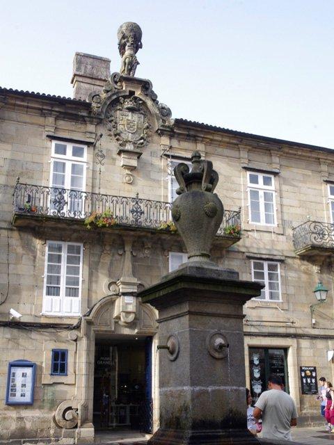 Mágica y Meigas. el Tour para descubrir Santiago de Compostela