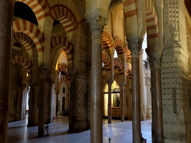 Adentrándonos en los Patrimonios de la Humanidad de Córdoba como la Mezquita