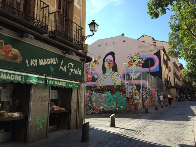 Street Art Tour With LocalGuddy in Madrid