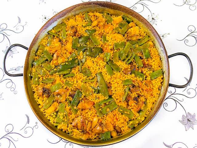 Paella valenciana que podemos comer en Sagunto