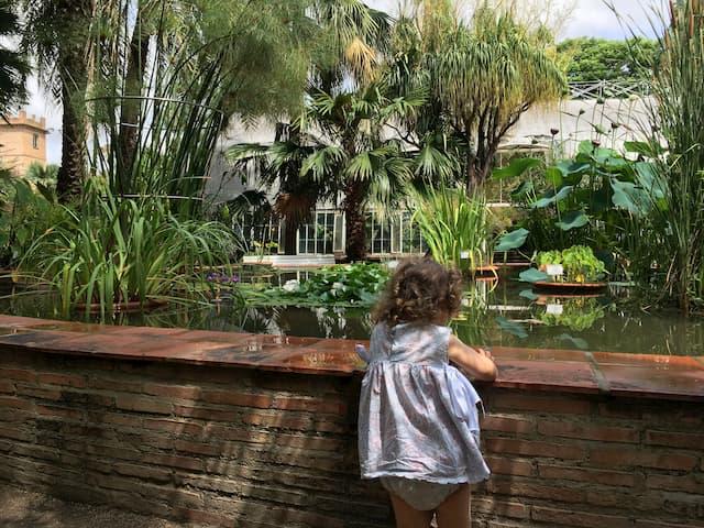 Paula en los Jardines Botánicos de Valencia