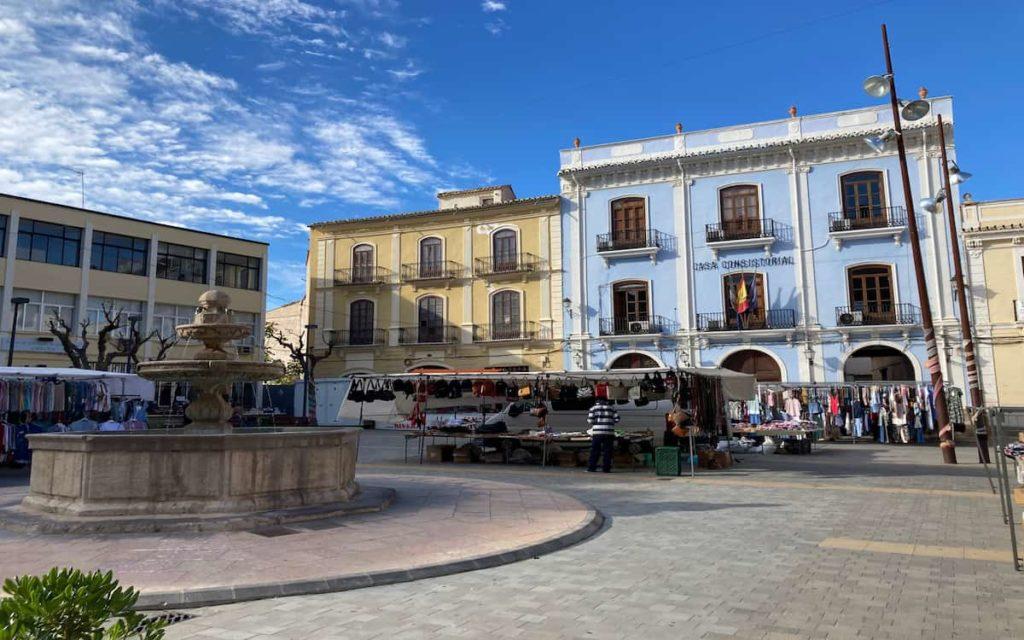 Plaza Mayor y Palacio Vizcondal en Chelva